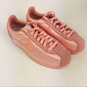 Nike Classic Cortez Nylon Shoe Coral Stardust Pink